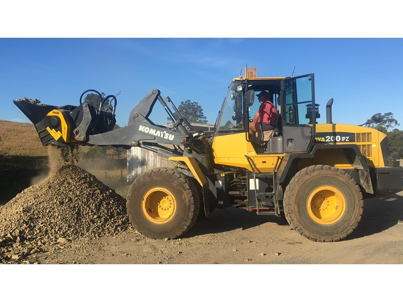 mb l-140 skid/loader crusher bucket by boss attachments 347350 004