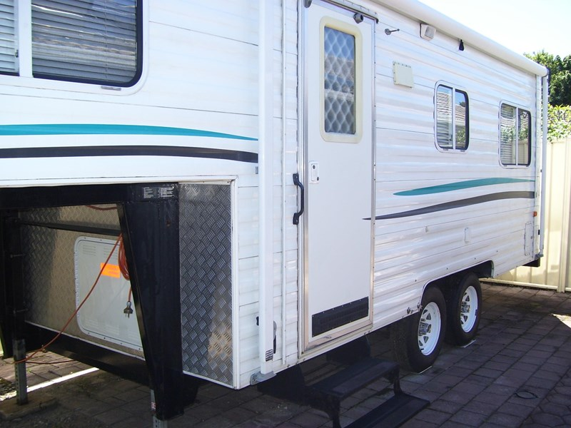 venture van fifth wheeler 436890 006