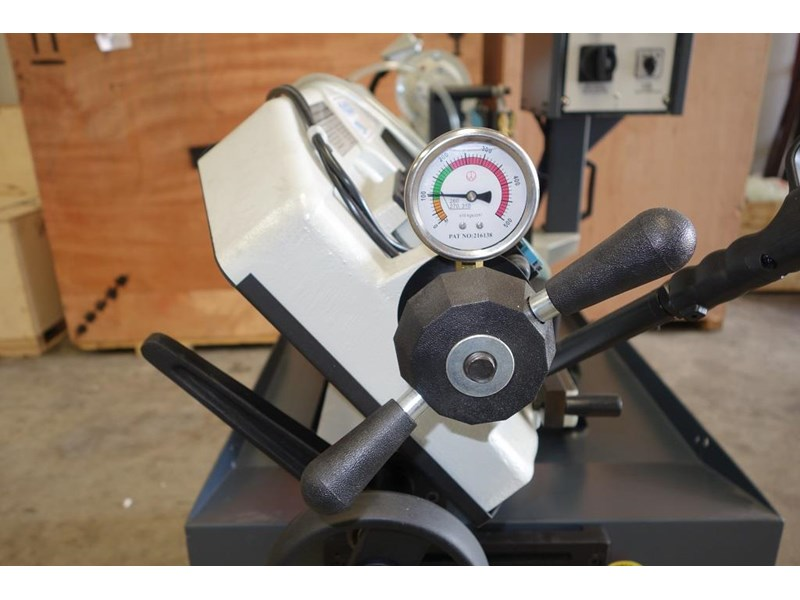 eximus taiwanese manual ø225mm capacity double mitre bandsaw 437508 009