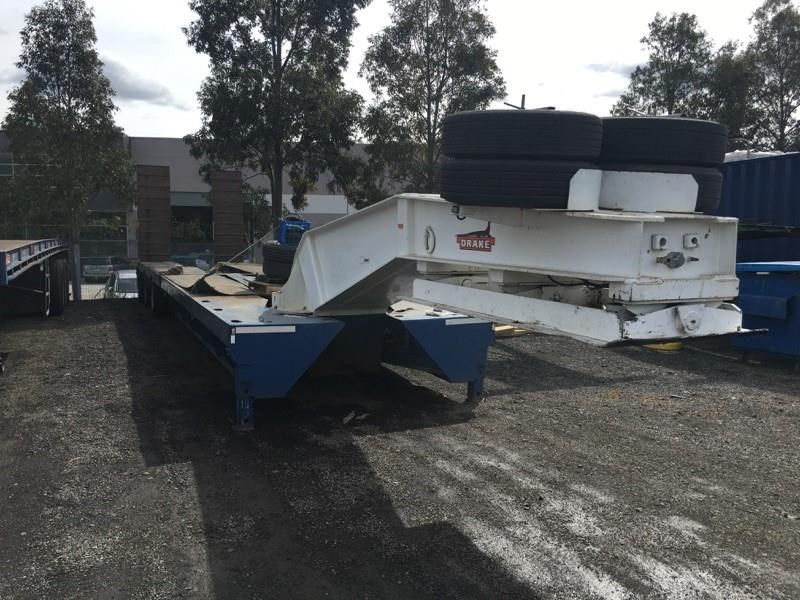 drake 3 x 8 swing wing low loader 437553 001