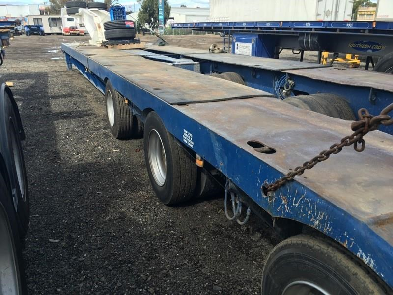 drake 3 x 8 swing wing low loader 437553 005