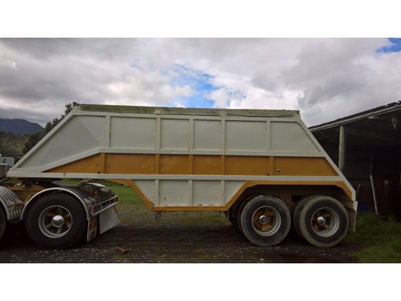 domett 2 axle bottom dumper 299053 006
