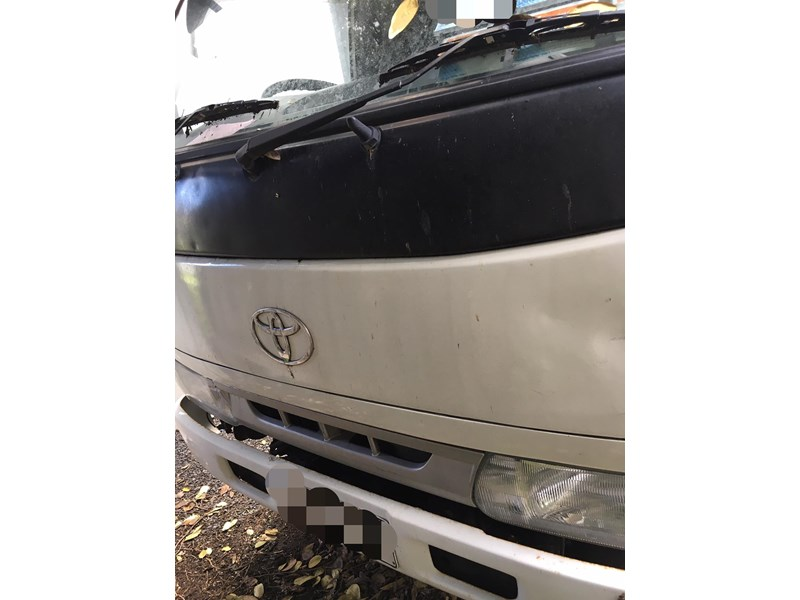 toyota toyoace 438282 009