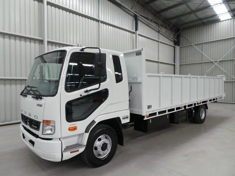 fuso fighter 1024 379573 028