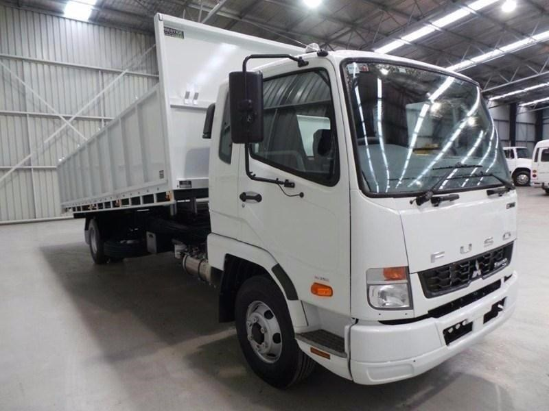 fuso fighter 1024 379571 033