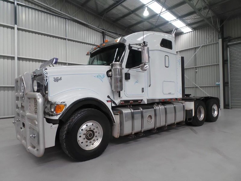 international 9900 eagle 425167 001
