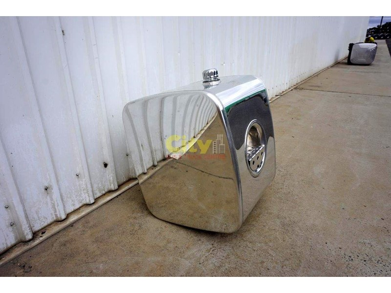hydraulic oil tanks new kenworth polished alloy hyd oil tank 440048 002