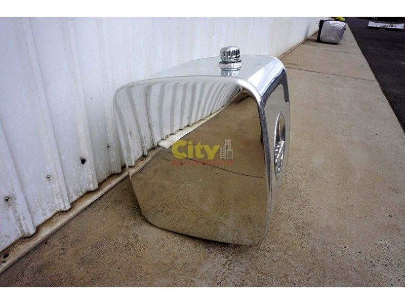 hydraulic oil tanks new kenworth polished alloy hyd oil tank 440048 008