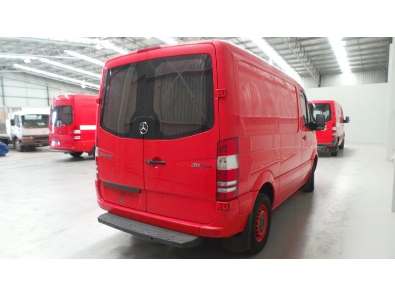 mercedes-benz sprinter 311 cdi 431951 004