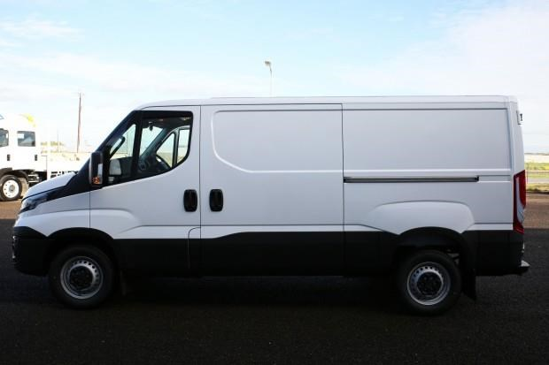 iveco daily 35s13 428660 004