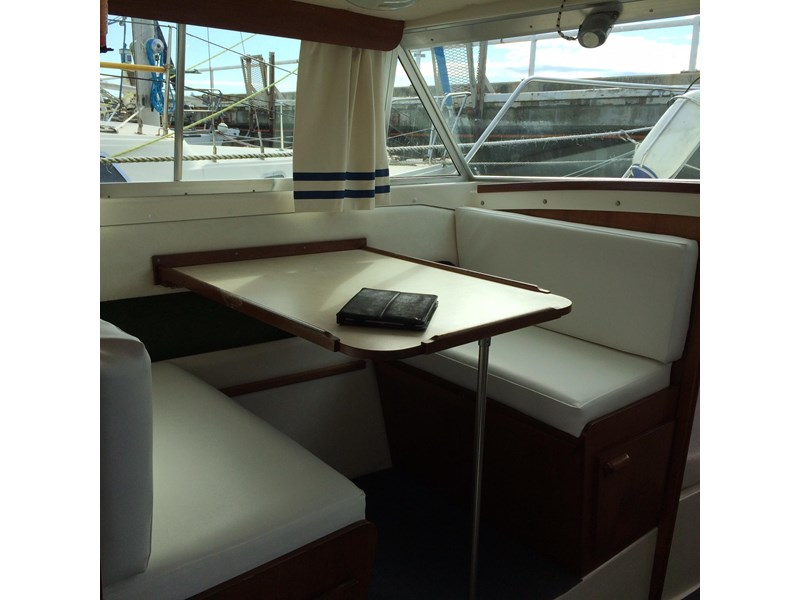 bertram flybridge cruiser 433549 004