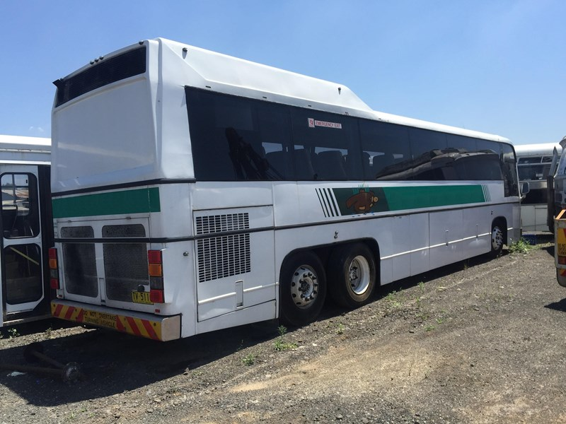 austral tourmaster dc122 tag axle coach, 1986 model 432913 002