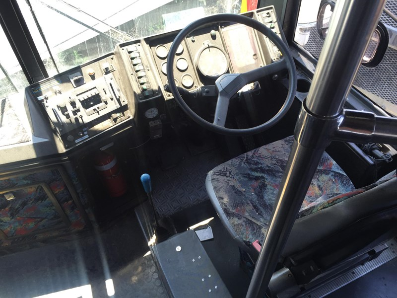 austral tourmaster dc122 tag axle coach, 1986 model 432913 008