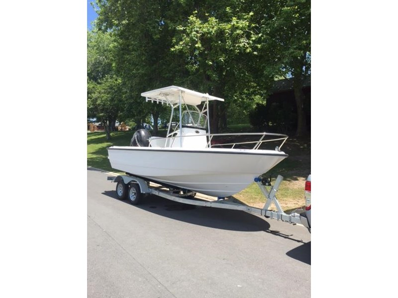 boston whaler 190 outrage 447868 004