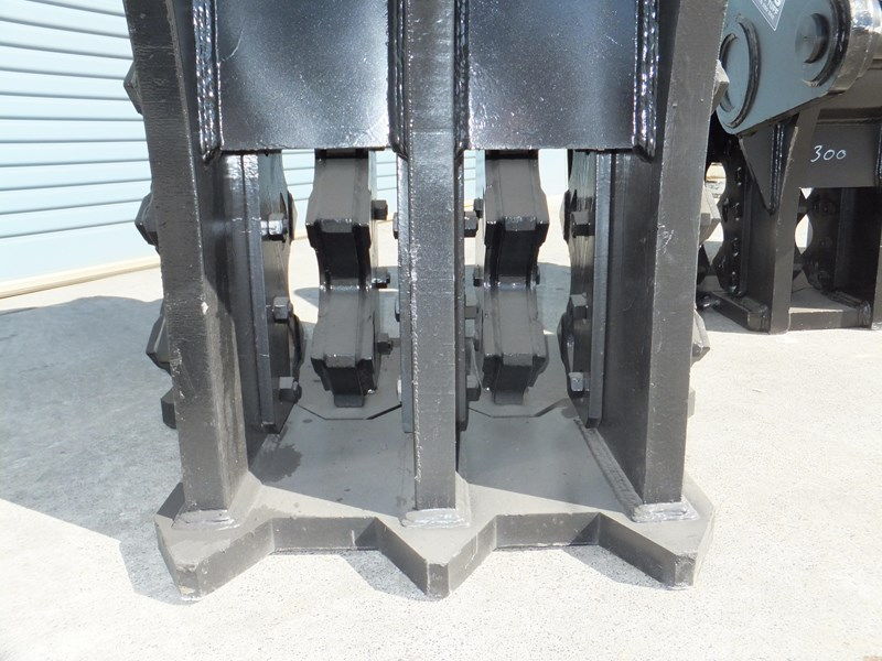 "boss attachments 13-60tonne mechanical concrete crushers ""in stock"" 449589 005"