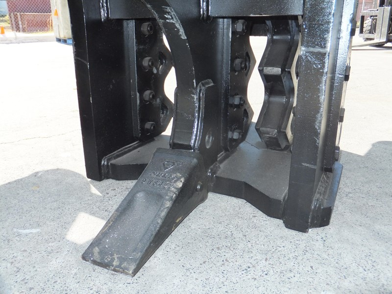 "boss attachments 13-60tonne mechanical concrete crushers ""in stock"" 449589 006"