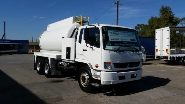 fuso fighter 2427 404272 016