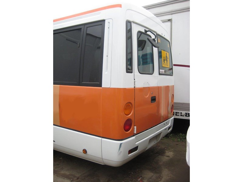 mitsubishi rosa buses various years & models - now wrecking 451578 010