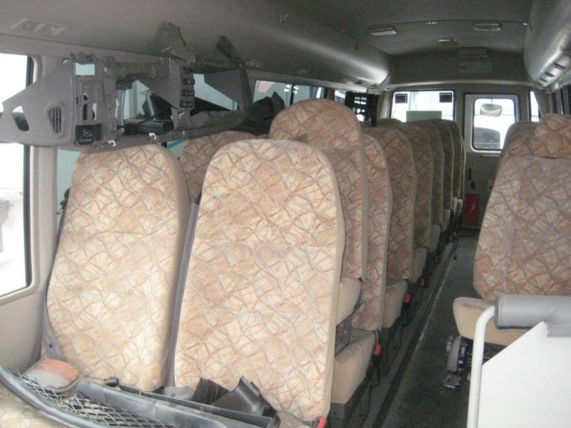 mitsubishi rosa buses various years & models - now wrecking 451578 015