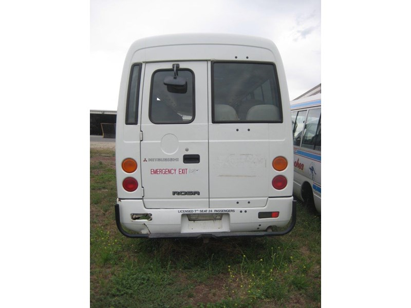 mitsubishi rosa buses various years & models - now wrecking 451578 003