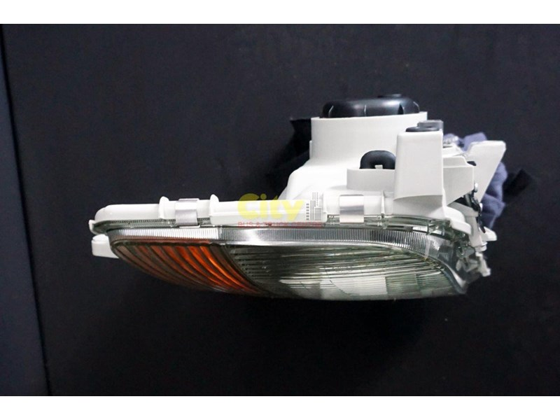 headlights suit mitsubishi fighter 2008 model onwards 452240 009