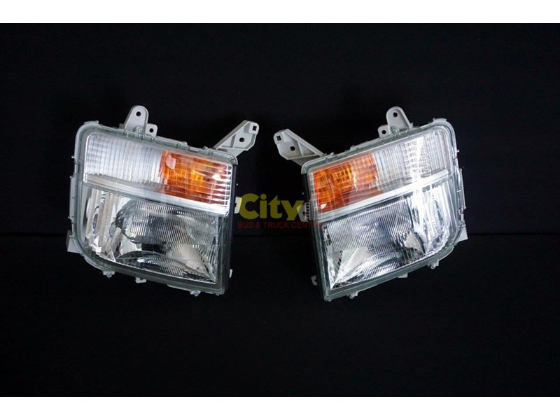 headlights suit mitsubishi fighter 2008 model onwards 452240 001