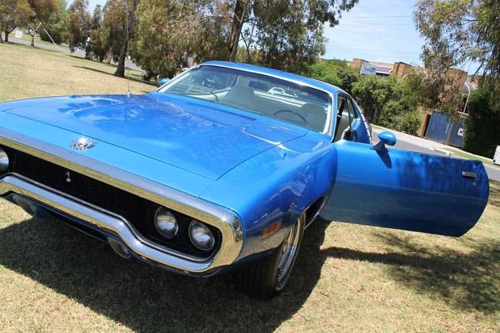 plymouth road runner 452807 045