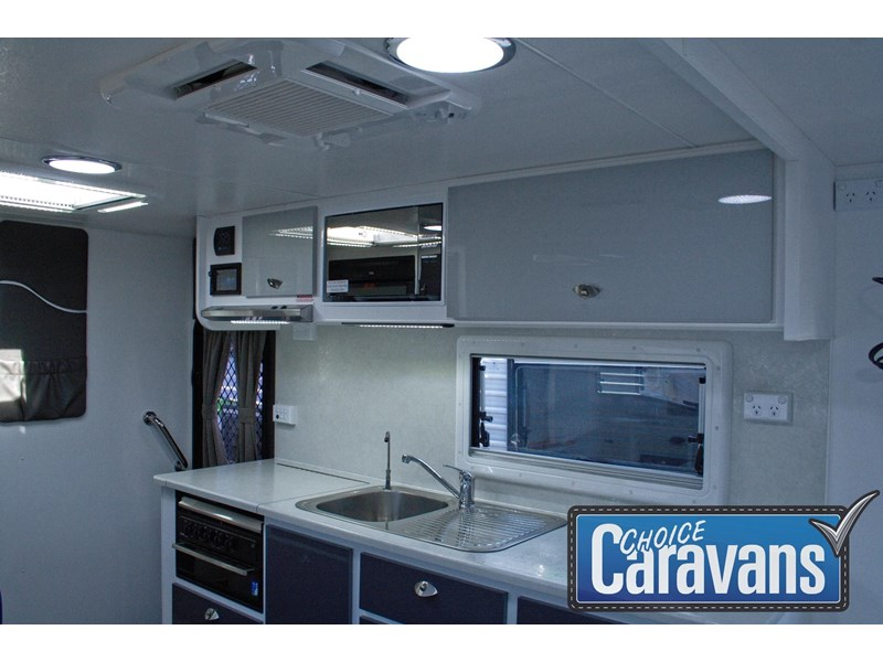 retreat caravans fraser 210r 453183 013