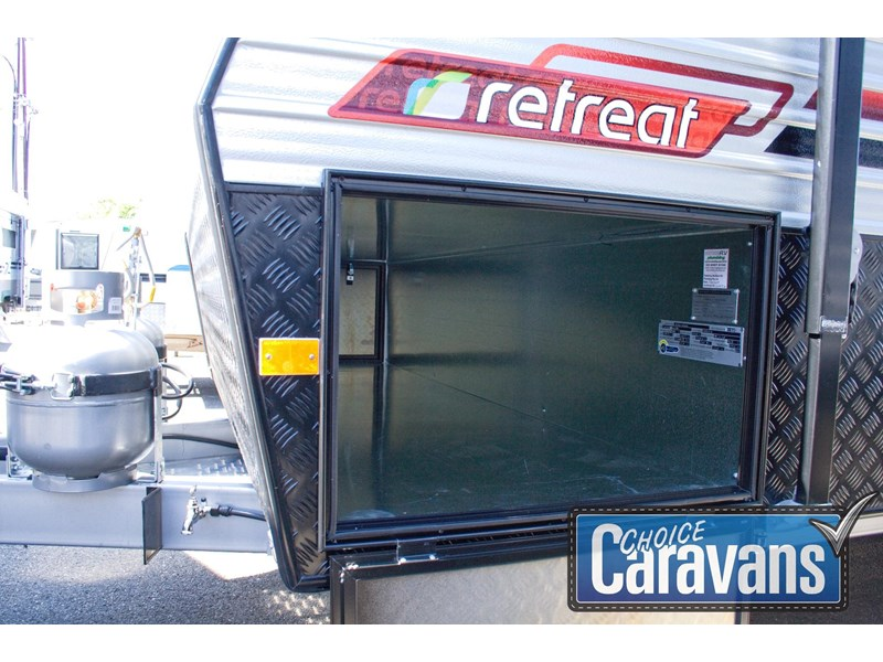 retreat caravans fraser 210r 453183 028