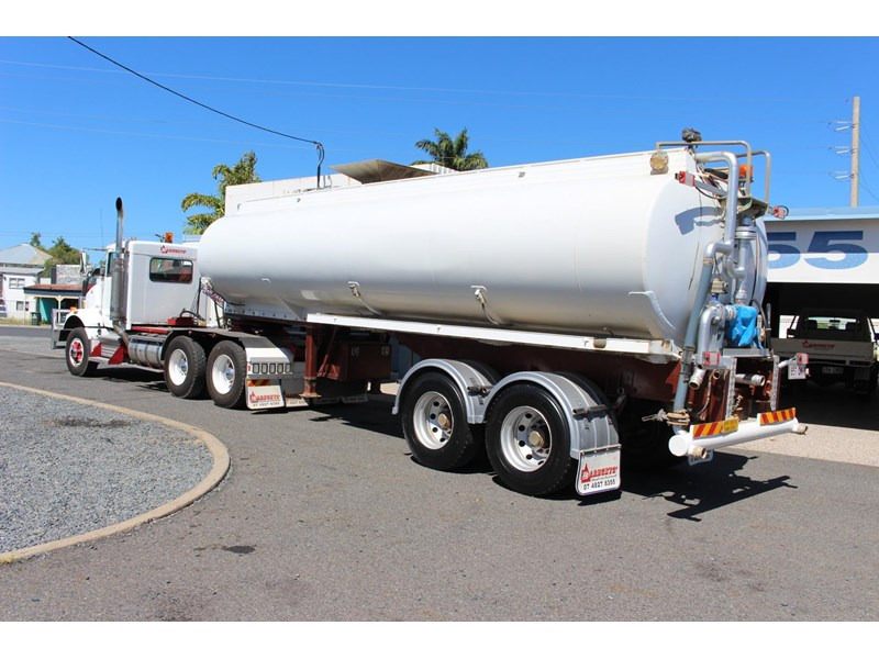 highgate tandem axle water tanker 433114 002