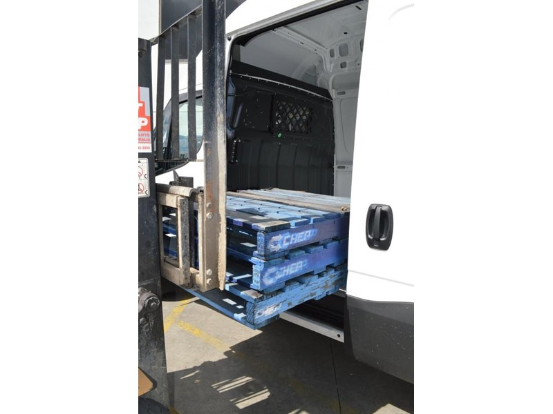 iveco daily 50c17/18 414497 051