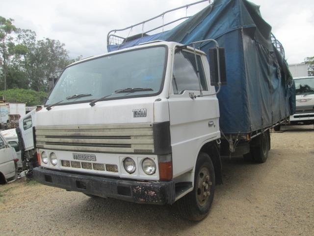 MAZDA T3500 dismantling