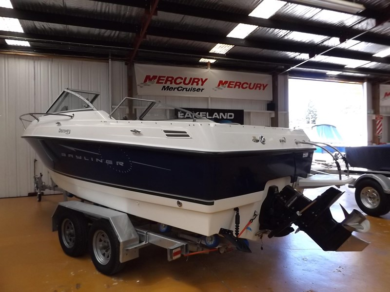 bayliner 192 discovery cuddy cabin 457745 005