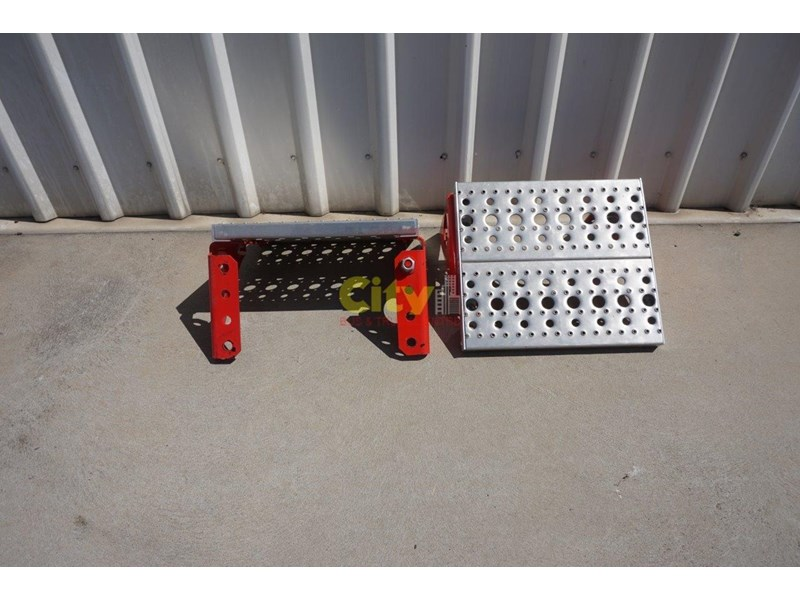 other chassis steps - excellent condition. 457797 004