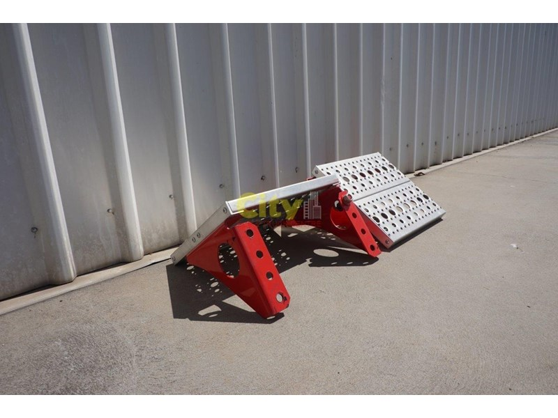 other chassis steps - excellent condition. 457797 006