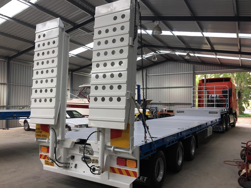 bullet extendable machinery trailer 292113 003
