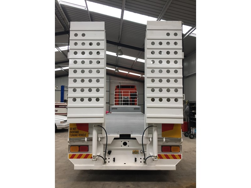 bullet extendable machinery trailer 292113 007