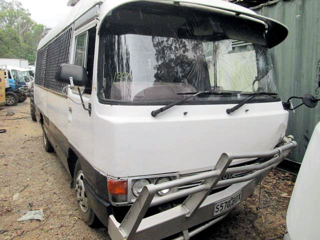toyota coaster bus 456204 001