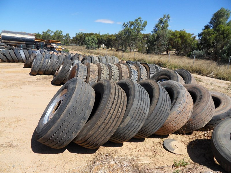 various truck & trailer rims and tyres 461306 001