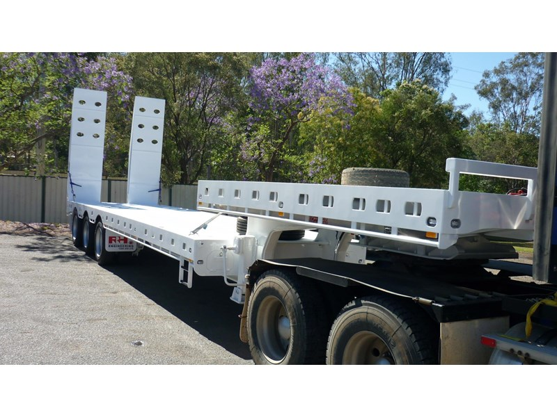 russell heale tri axle drop deck price excludes gst 461323 002
