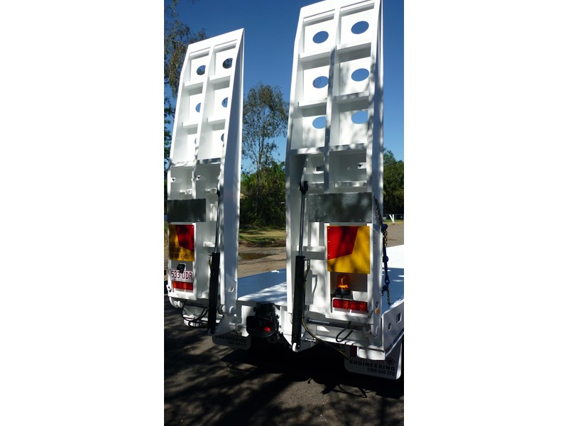 russell heale tri axle drop deck price excludes gst 461323 004