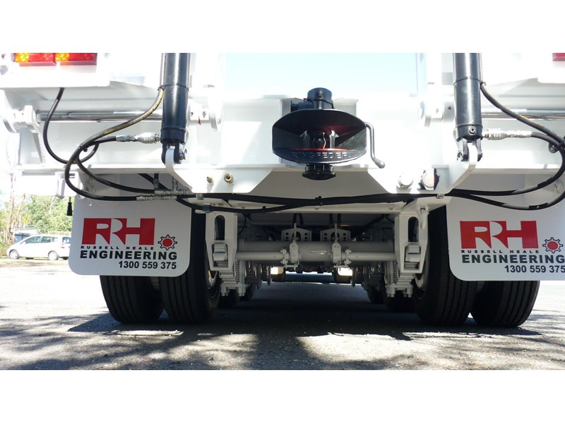 russell heale tri axle drop deck price excludes gst 461323 009