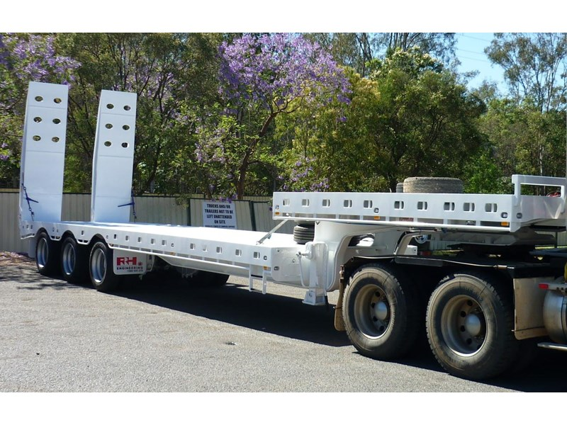 russell heale tri axle drop deck price excludes gst 461323 011