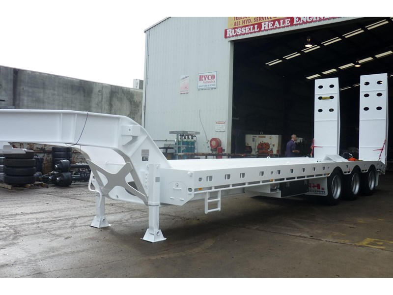 russell heale tri axle drop deck price excludes gst 461323 012