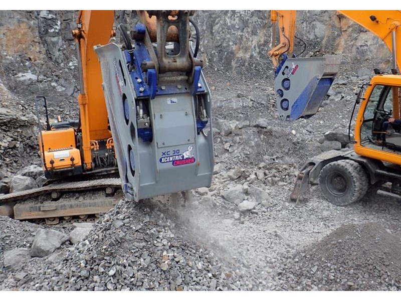 xcentric xc20 crusher bcukets rent-try-buy 461495 007