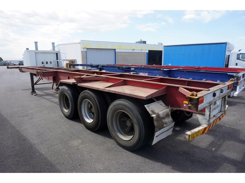 krueger 40ft tri-axle skel trailer 463160 011