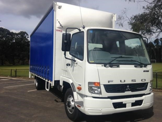 fuso fighter 1024 412760 004