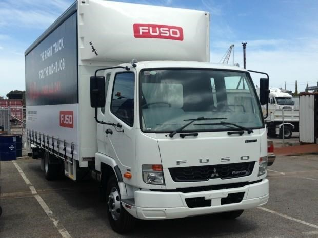 fuso fighter 1024 434415 001