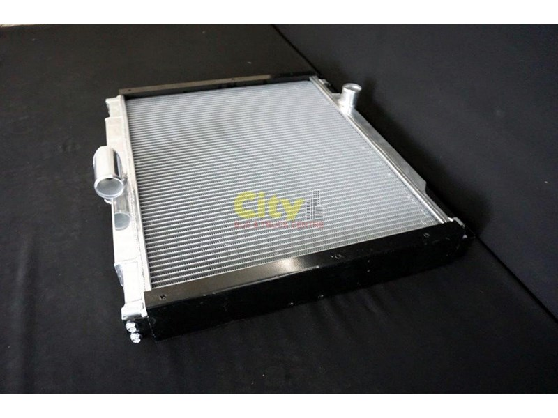 mitsubishi rosa bus radiator assembly with core 467935 005