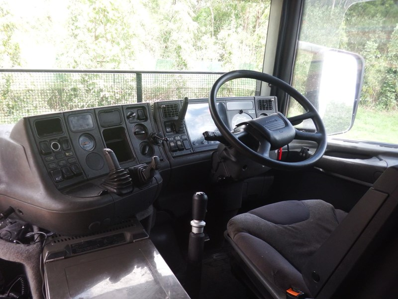 scania t124 470141 008